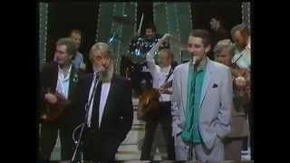 Watch Pogues Irish Rover video