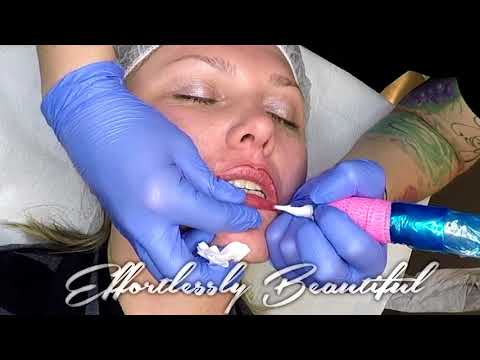 Full Lip Tattoo with Cheyenne Pen