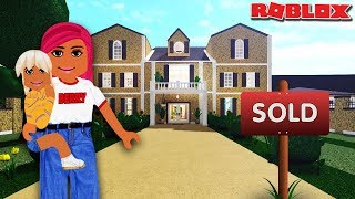MOVING INTO OUR FAMILY HOUSE 🏡 | Bloxburg Roleplay | Roblox