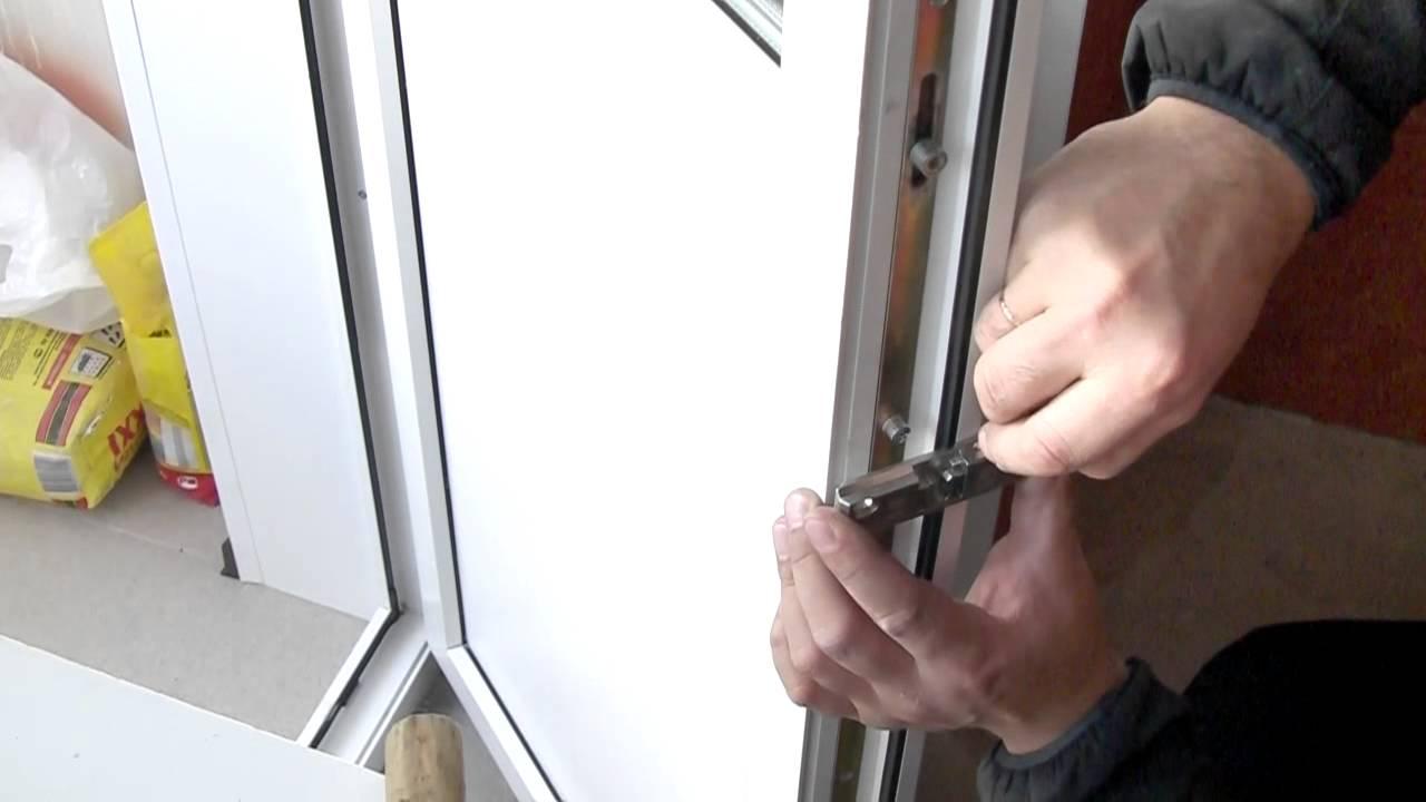Видео установка пластиковой двери