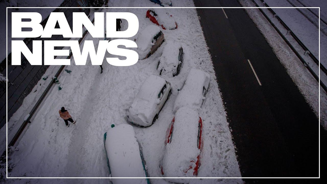 Regiões da Espanha ficam isoladas pela grande nevasca