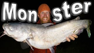 Catch and Cook Monster Catfish On The Fire / Day 15 of 30 Day Survival Challenge Texas