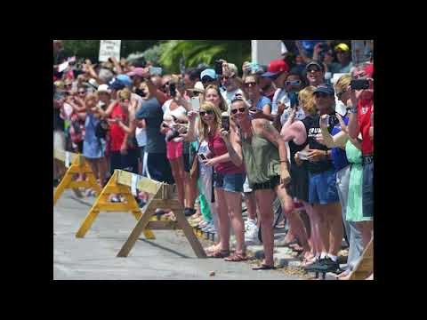 Crowds of Supporters Flock to See Donald Trump Motorcade in Key West