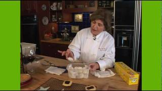 Food Univeristy - Storing Cookies With Mary Ann Esposito