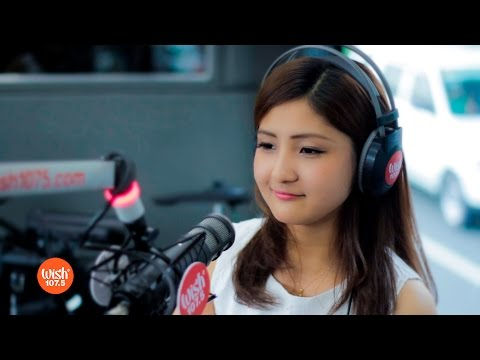 Mayumi performs World Song  on Wish 1075 Bus