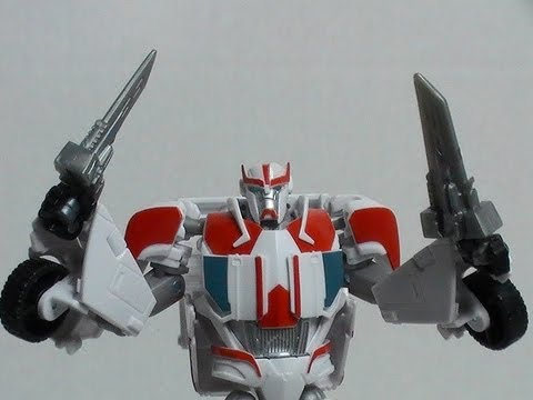 """""""Autobot Ratchet"""" ~ a Transformers Prime Robots in Disguise deluxe-class toy review"""