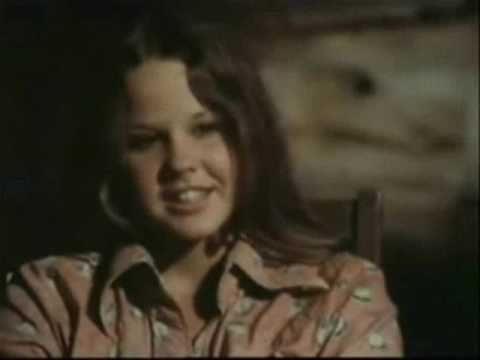 Damien Thorn & Regan MacNeil - YouTube   480 x 360 jpeg 9kB