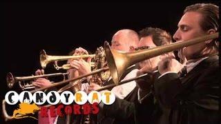 Play Horns