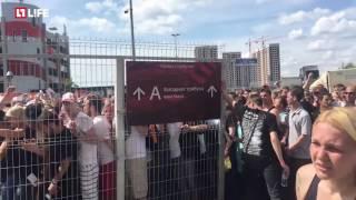 Фанаты Rammstein снесли ограждения в давке у входа на фестиваль Maxidrom