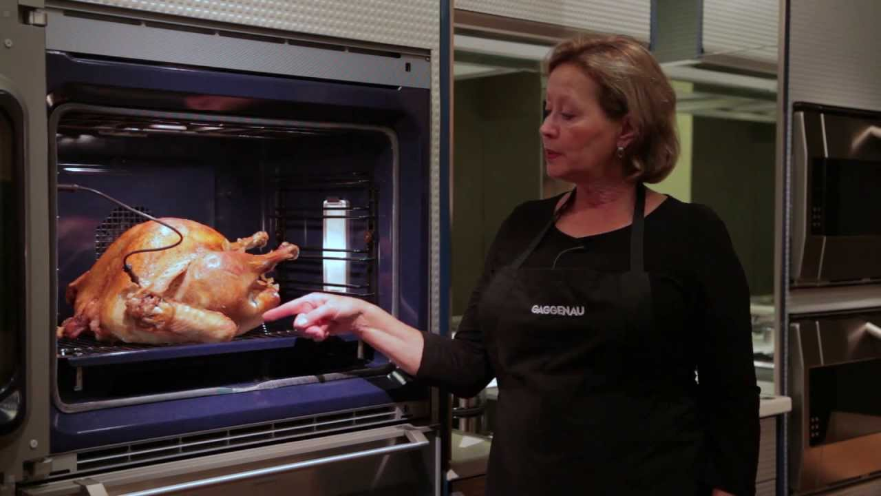 gaggenau convection oven roasting a turkey trimmings youtube. Black Bedroom Furniture Sets. Home Design Ideas