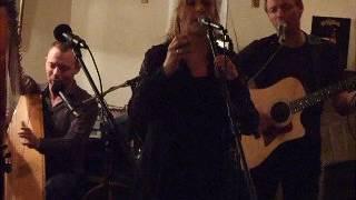 CLANNAD live part10 Leo's Tavern 40th Anniversary 2008 Mhorag`s Na Horo Gheallaidh Alasdair Maccolla
