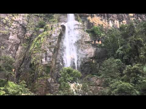 Diyaluma Water Fall - Koslanda Sri Lanka