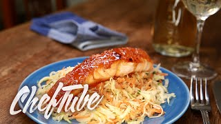 How To Make Asian Cabbage Salad With Glazed Salmon Fillet - Recipe In Description