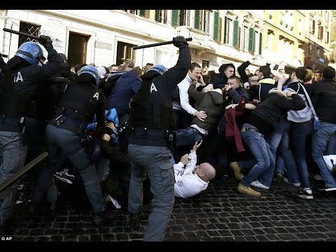 Feyenoord fans vs. Italian police in Rome