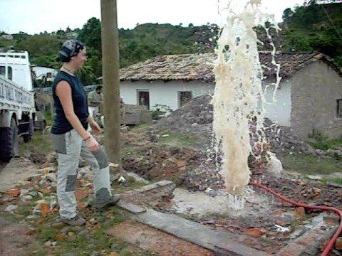 Limpeza pozo de tres pasos 2 youtube for Limpieza de pozos de agua
