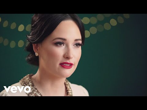 Kacey Musgraves - Mele Kalikimaka (In The Studio) ft. The Quebe Sisters