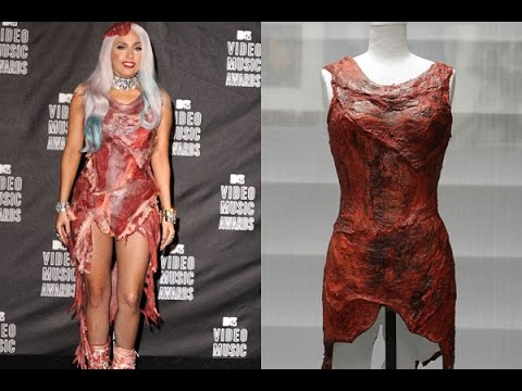Lady gagas meat dress pictures