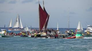 Hokulea Homecoming at Magic Island in 4k