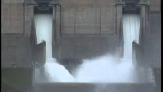 島根県雲南市尾原ダム 150年に一度のクレストゲート開放による大放流!!