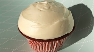 ♥ Moist Red Velvet Cupcakes With Cream Cheese Frosting ♥ レッドベルベットカップケーキ 레드벨벳 컵케이크 Noshing With Paris