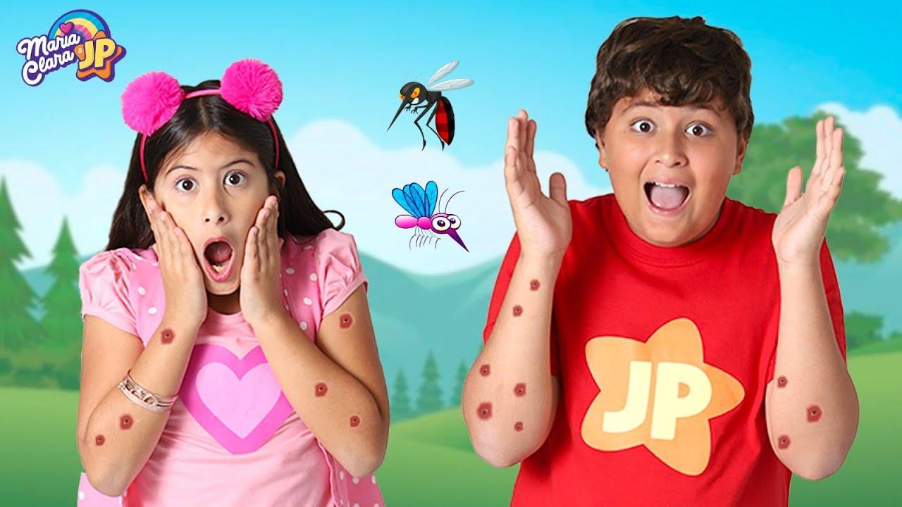 Maria Clara e JP lutam contra os mosquitos malvados!