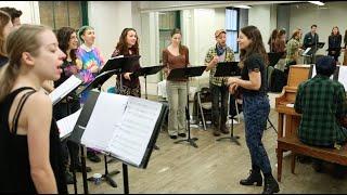 Shaina Taub in Rehearsal