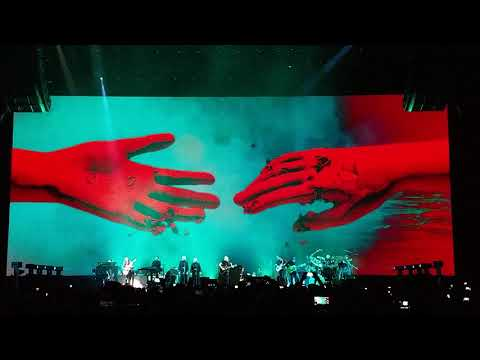 Roger Waters Us + Them Tour - Wish You Were Here