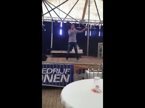 Zanger Niels van Kollenburg zingt Delilah @ Elshout