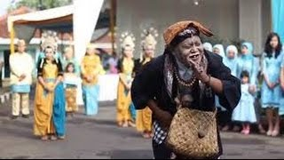 Procession Mapag Panganten Ki Sunda and Ki Lengser