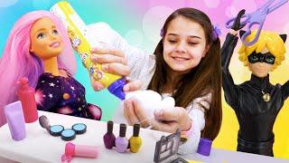 Кукла Барби и салон красоты для кукол. Игры в одевалки и прически. Видео про куклы - сборы на работу