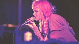 "Grimes ""Circumambient"" (Live at Hudson River Park)"