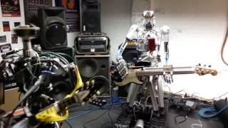 The Robots Dance Music (Robotların Dans Müziği)