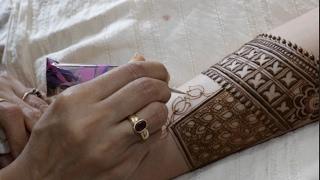 Modern style lotus and blocks bridal mehendi : bridal episode 20