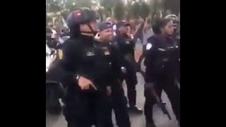 Полиция с народом Венесуэлы.