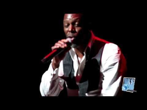 """Joe Performing """"Hello"""" by Adelle Live 2016"""