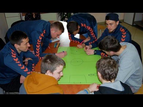 """Utenos """"Utenis"""" kartu su Futbolo.tv apsilankė Utenos vaikų globos namuose"""