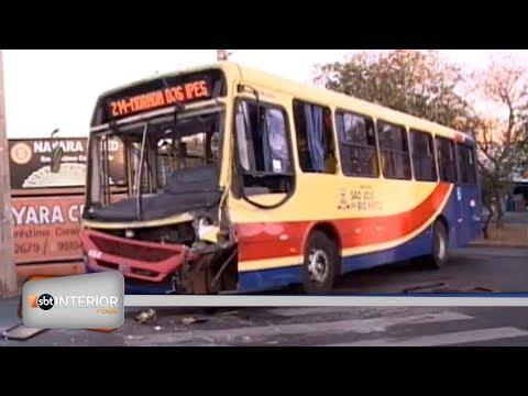Acidente entre ônibus e caminhão deixa dois feridos em avenida de Rio Preto