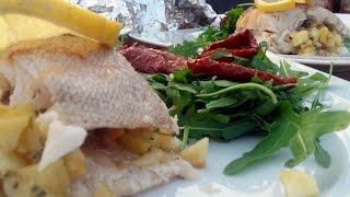Rączka gotuje - tatar ze śledzia, zupa rybna, sandacz z grilla