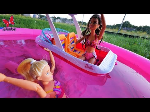 Barbie's Vacation: Barbie can't swim! Barbie dolls story in english New adventures