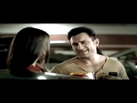 Saif Ali Khan Flirting When CAR CRASH thumbnail