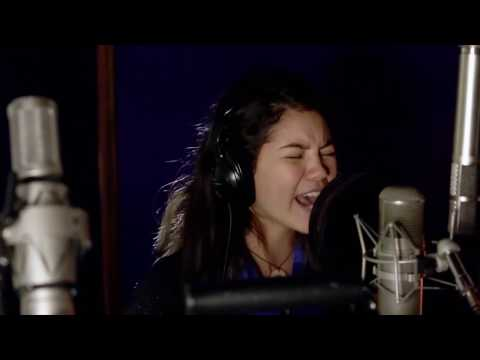 the-first-time-i-ever-heard-aulii-cravalho-singing