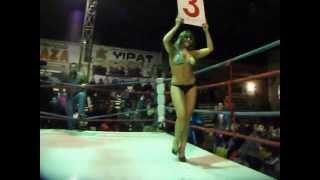 Velada Boxeril con Carlos Cruzat en San Carlos -Modelo Daniela Veloso -Video 5