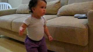Ester  dançando Tilim tim tim