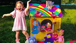 Liza Pretend Play Building Playhouse for kids | Funny story for kids with Toys and Dolls