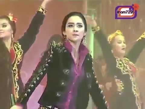 Afghani/Tajik singer Noziya