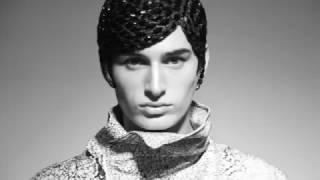 Frank  | Fashion Stylist: Zoë Battles