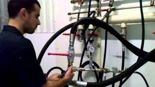 Passage au banc d'essai pompe hydraulique