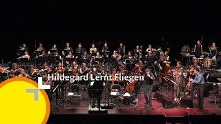 """The Big Wig"" The LUCERNE FESTIVAL ACADEMY meets Hildegard Lernt Fliegen"