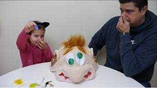 Επιτραπέζιο παιχνίδι για παιδιά Φρέντυ ο Κεφάλας 🎃Παίζουμε με τον μπαμπά🎃board game for kids greek