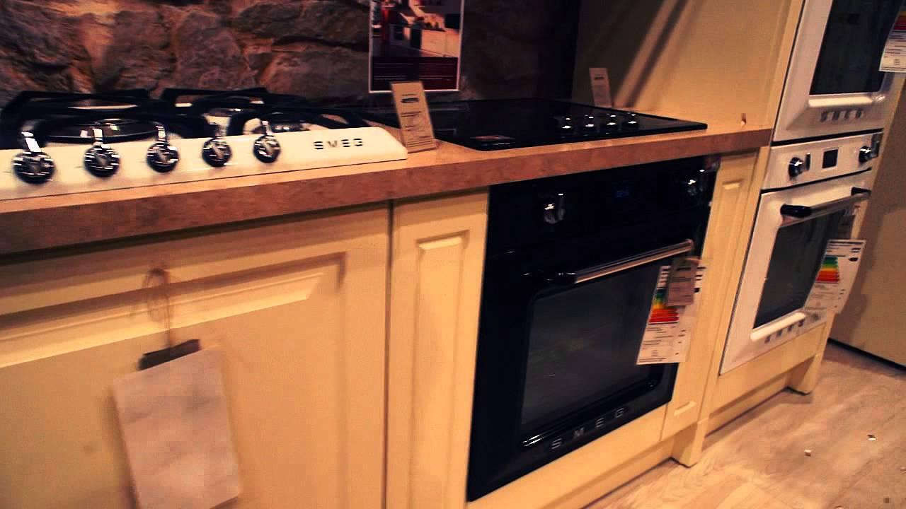 Двухдверные холодильники отличаются внушительным объемом морозильной камеры. В конструкции side-by-side морозилка располагается сбоку, поэтому даже при сравнительно небольшой высоте холодильника (от 160 см) в нее вмещается много продуктов. Холодильники с боковой морозилкой можно.